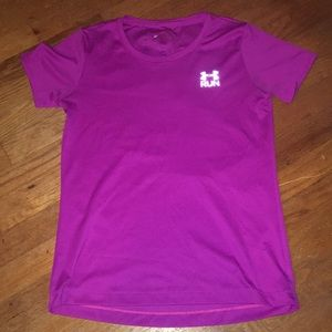 Women's small Under Armour athletic shirt.